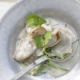Garnelen-Ravioli mit Kokos-Curry-Sauce